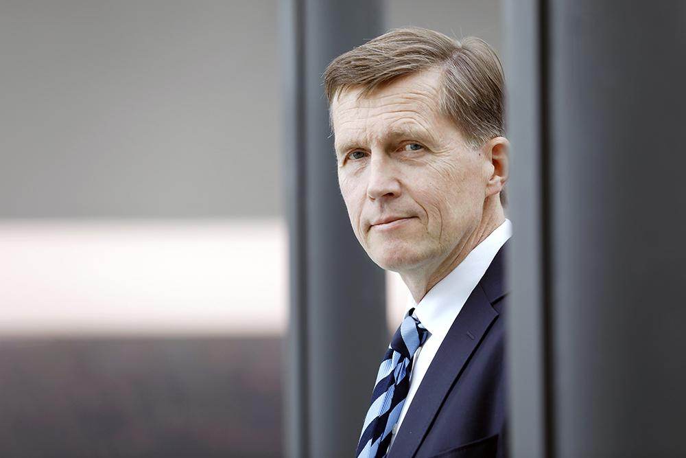 Kuvassa Akavan pääekonomisti Pasi Sorjonen.