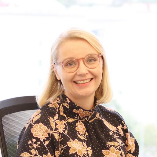 Elina Juntuselle myönnettiin Pohjola Vakuutuken lahjoittama tutkimusstipendi.