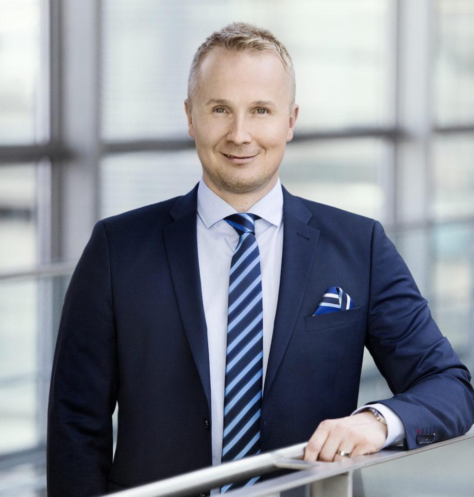 Kuvassa Finnveran liiketoimintajohtaja Juuso Heinilä.