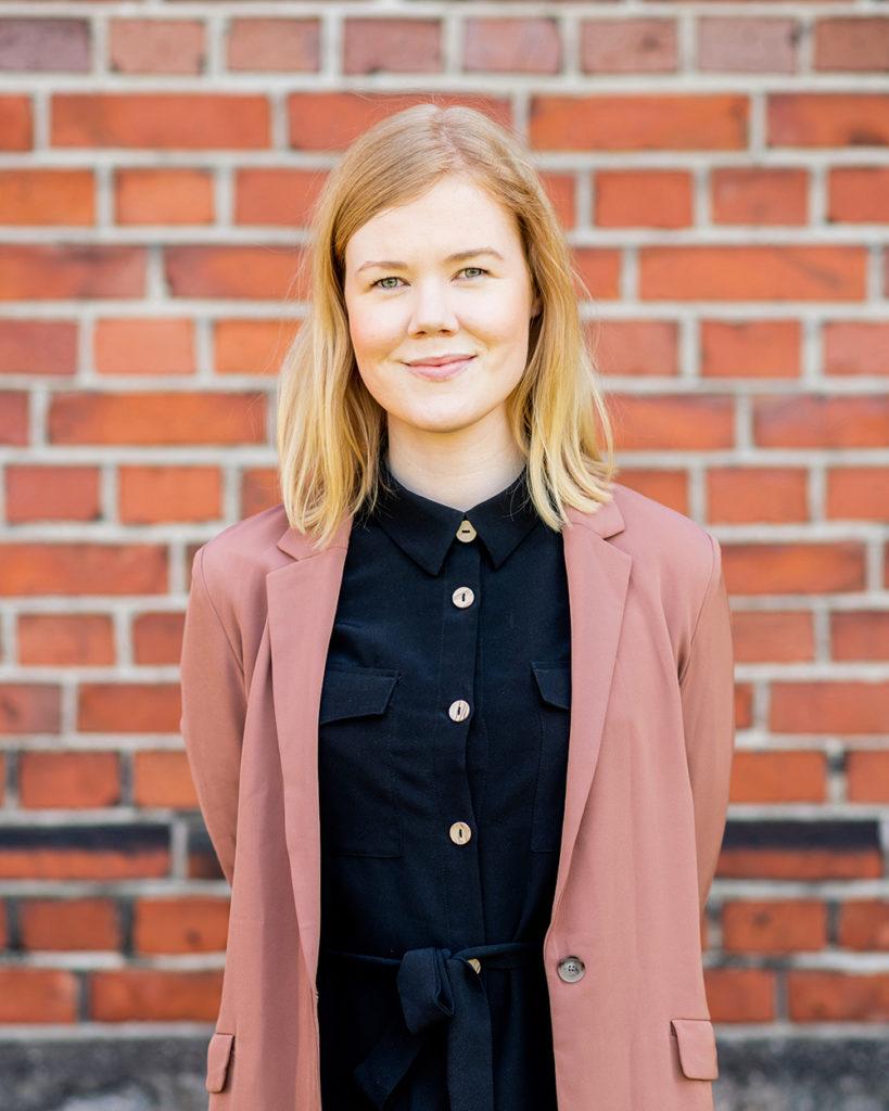 Kuvassa Inklusiiv yhteisön Katja Toropainen